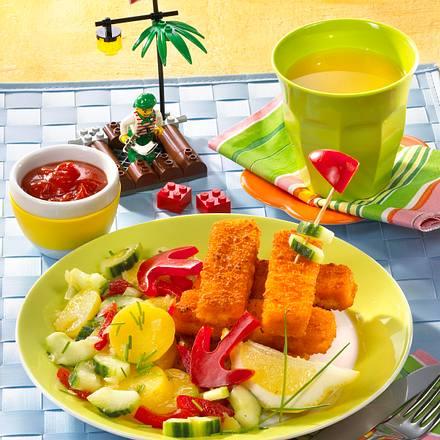 Fischstäbchen-Turm mit Kartoffelsalat Rezept