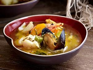 Fischsuppe mit Seehecht, Eismeergarnelen und Miesmuscheln Rezept