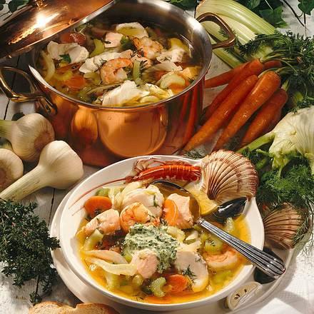 Fischsuppe mit Thyamin-Creme Rezept