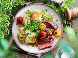Fixe Kräuter-Gnocchi mit Steak Rezept