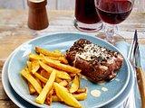 Flambiertes Pfeffer-Steak mit selbstgemachten Pommes frites Rezept