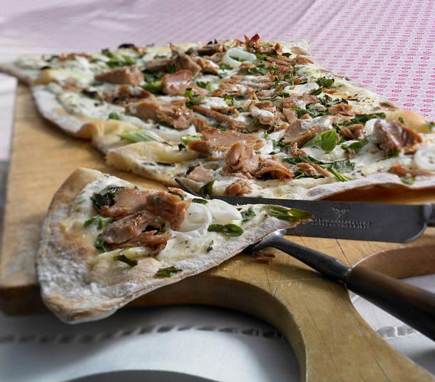 Flammkuchen mit Thunfisch Rezept