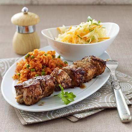 Fleischspieße mit Tomatenreis und Krautsalat Rezept