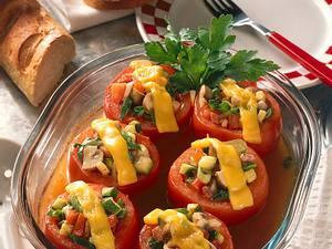 Fleischtomaten mit Gemüsefüllung Rezept