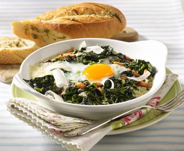 Florentiner Eier zu Kapern-Butter-Baguette Rezept
