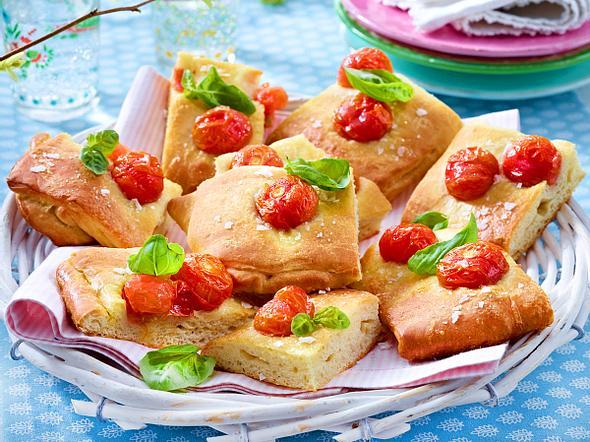 Focaccia mit Kirschtomaten Rezept