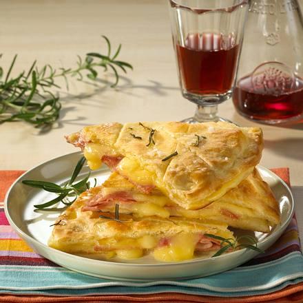 Focaccia mit Schinken & Käse Rezept