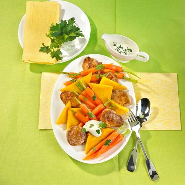 Folienmöhren mit Schweinefilet und Polenta Rezept