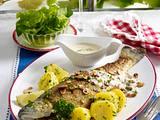 Forelle Müllerin Art mit Rahm-Buttersoße und Petersilienkartoffeln Rezept