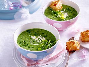 Frankfurter Grüne Suppe mit Blätterteigkissen Rezept