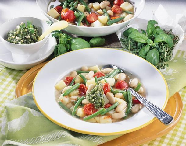 Französische Gemüsesuppe mit Pistou Rezept