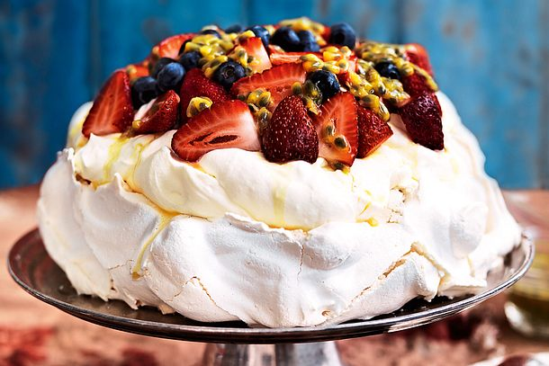 Fresh & Fruity Pavlova Rezept