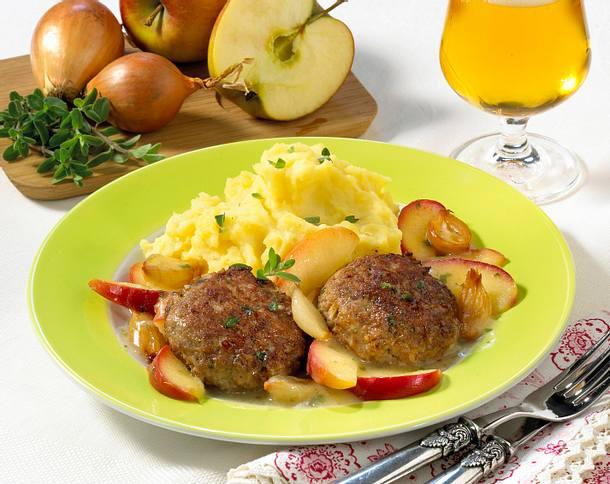 Frikadellen mit Apfel-Schalotten-Gemüse und Kartoffelpüree Rezept
