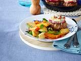 Frikadellen mit Apfel und Gorgonzola überbacken Auf Kartoffel-Kürbis-Lauchzwiebel-Gemüse Rezept