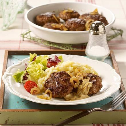 Frikadellen mit Kartoffel-Sellerie-Püree und grünem Salat Rezept