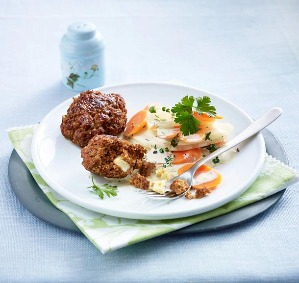 Frikadellen mit Kohlrabi-Möhren-Gemüse Rezept