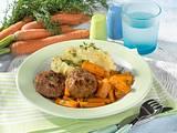 Frikadellen mit Möhrengemüse und Kartoffelpüree Rezept