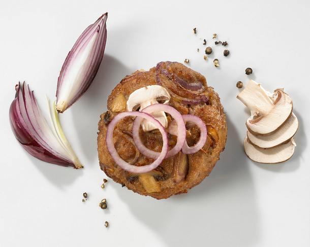 Frikadellen mit rosa Champignons und roten Zwiebeln Rezept