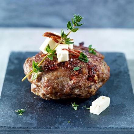 Frikadellen mit Schafskäse, getrockneten Tomaten und Thymian Rezept