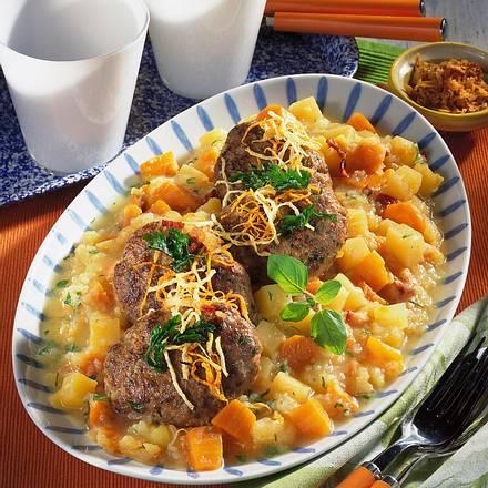 Frikadellen mit Steckrüben und Kartoffel- Möhrengemüse Rezept