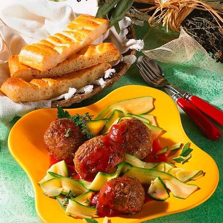 Frikadellen mit Tomatensoße Rezept