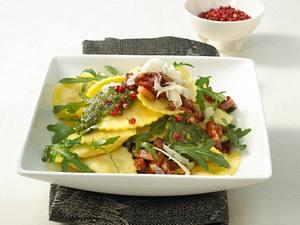 Frische Ravioli in selbstgemachter Pesto Rezept