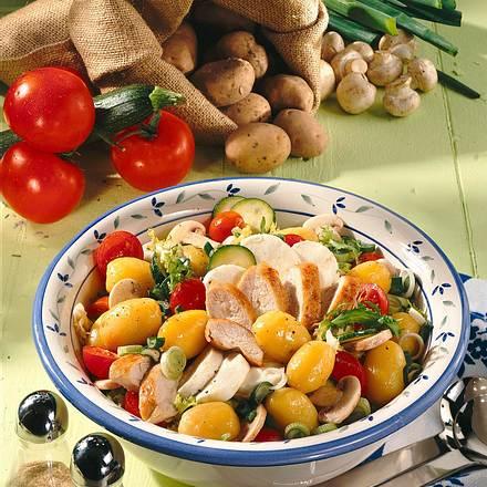 Frischer Kartoffelsalat mit Hähnchen Rezept