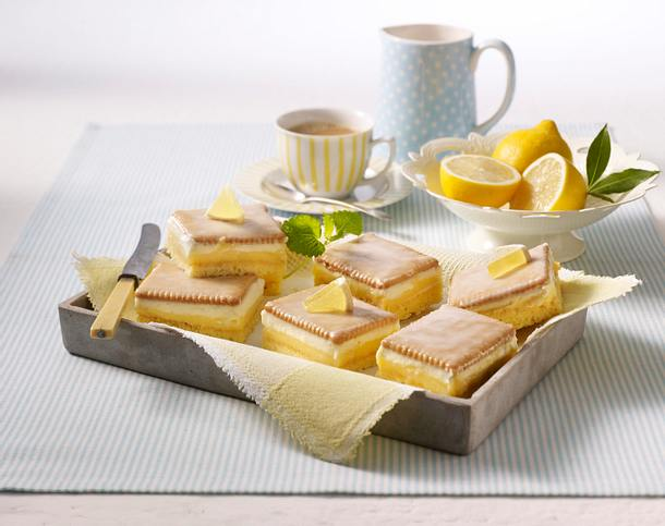 Frischer Zitronenkuchen mit Butterkeksen Rezept