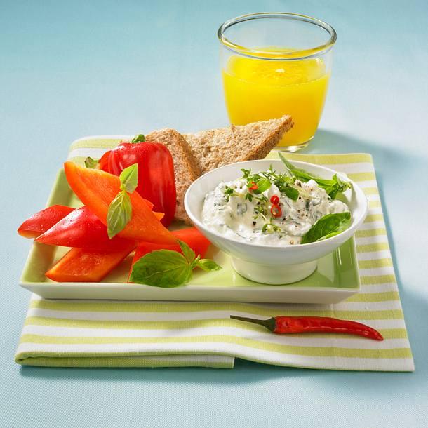 Frischkäse-Dip mit Paprika Rezept