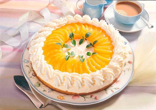 Frischkäse-Sahne-Torte mit Pfirsichen Rezept