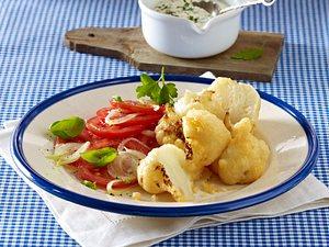 Frittierter Blumenkohl mit Parmesankruste zu Remoulade und Tomatensalat Rezept