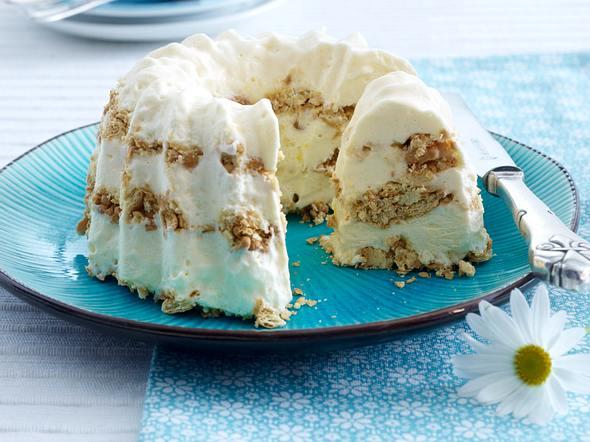 Frozen Cheesecake (Käsekuchenparfait) mit Butterkeksen und Zitrone Rezept