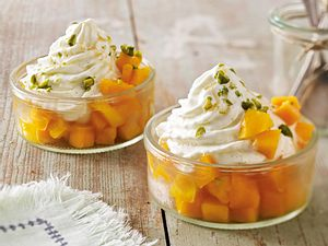 Frozen Vanilla Yoghurt mit Mango & Honig Rezept