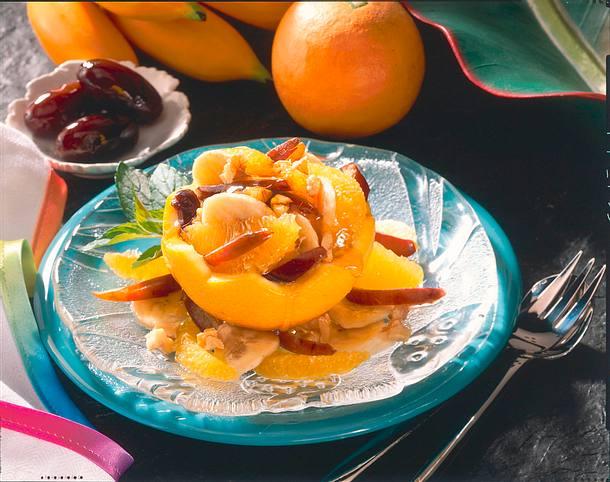 Fruchtcocktail mit Datteln und Honig Rezept