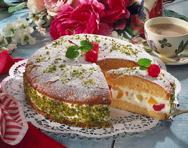 Fruchtcocktail-Torte Rezept