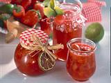Fruchtige Erdbeer- Limetten-Konfitüre (für 4 Gläser à 250 ml) Rezept