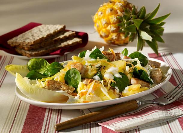 Fruchtiger Chicorée-Salat mit Pute Rezept