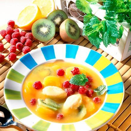 Fruchtkaltschale mit Grießnocken Rezept
