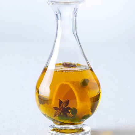 Fruchtöl mit Orangenschale, Sternanis und Pistazien (4 mal anders) Rezept