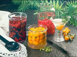 Früchte in Alkohol: Himbeeren in weißem Bacardi Rezept