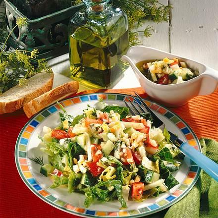 Frühlingssalat mit Dill-Ei-Marinade Rezept