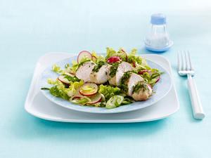 Frühlingssalat mit Kräuterfilet Rezept