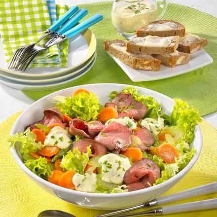 Frühlingssalat mit Roastbeef & Senfcreme Rezept