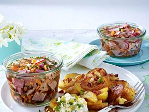 Frühlingssülze im Einmachglas mit Bratkartoffeln Rezept