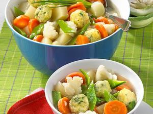 Frühlingssuppe mit Käseklößchen Rezept