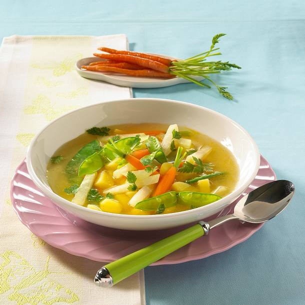 Frühlingssuppe mit Kartoffeln und Kerbel Rezept