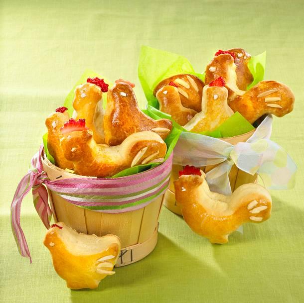 Frühstücksbrötchen in Hähnchenform Rezept