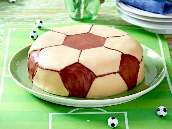 Fussball-Schokoladen-Torte Rezept