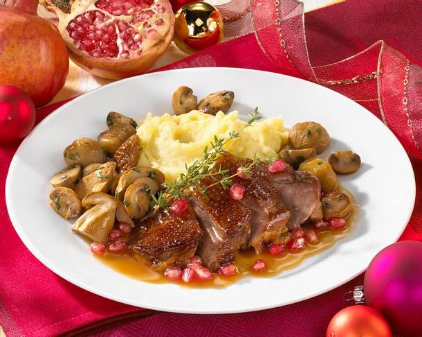 Gänsebrust mit Pilz-Maronengemüse und Granatapfelsoße Rezept