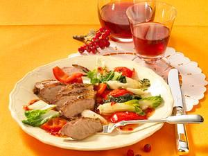 Gänsebrust zu Paksoi-Paprika-Gemüse Rezept
